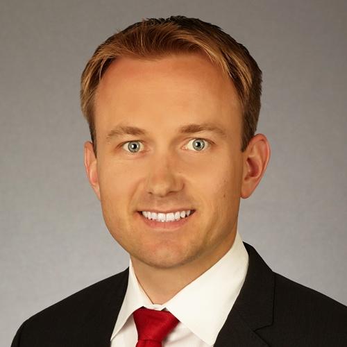 Evening & Weekend MBA alum Matt Sandberg