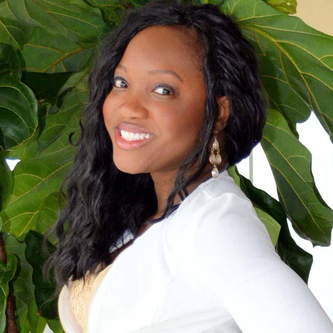 Evening & Weekend MBA student Melanie Akwule